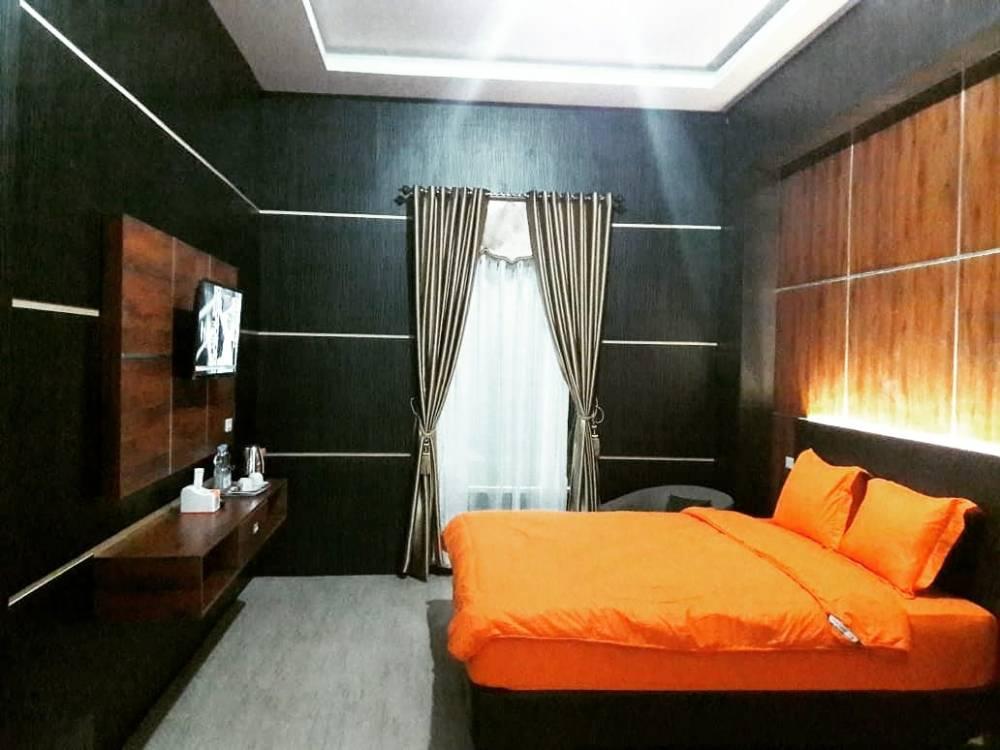 Golden Suite 1